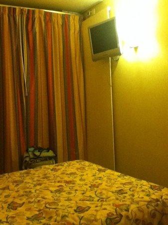 Hotel Sunny: la stanza
