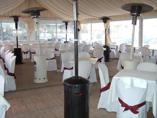 Dynastic Hotel: Spanish New Year Bar