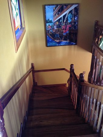 Taino Cove: Stairs to upper rooms