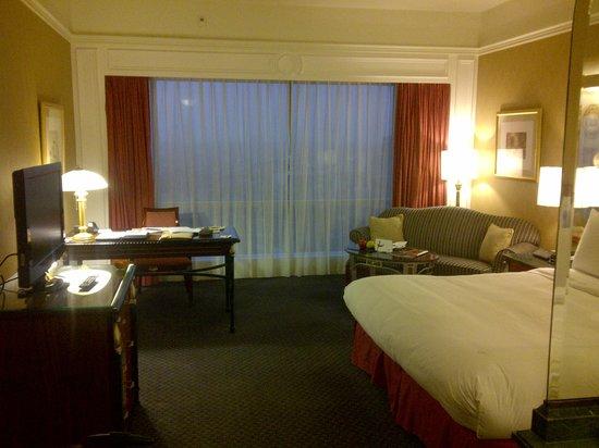JW Marriott Hotel Surabaya: Guestroom 1