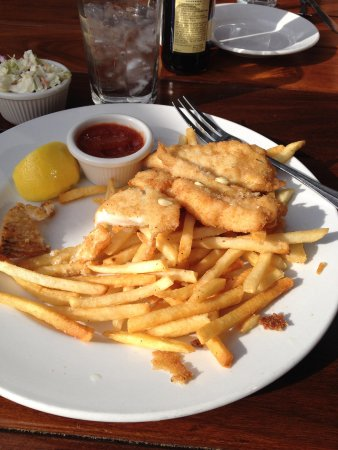 Moonstone Beach Bar & Grill: Fish and Chips