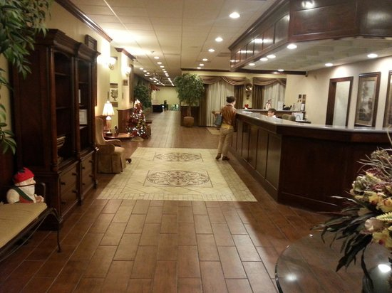 BEST WESTERN PLUS Burlington: Front desk