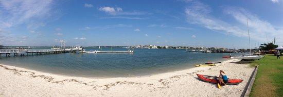 Blockade Runner Beach Resort: small beach on Banks channel behind the BR
