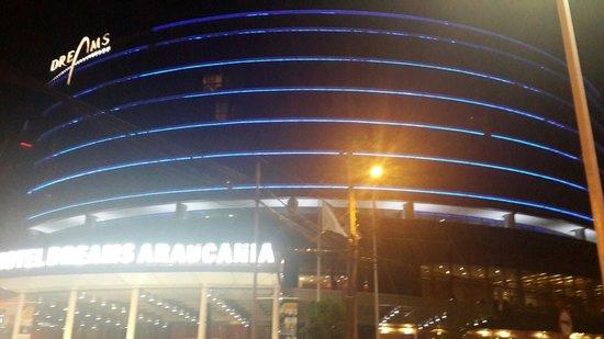 Hotel Dreams Araucania: Vista nocturna