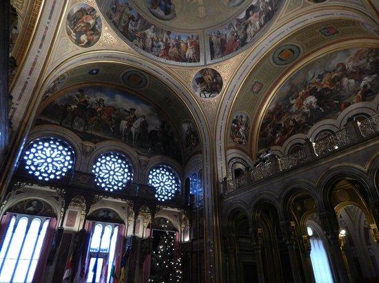 Musée d'histoire militaire de Vienne : Grand 2nd Floor Ceiling