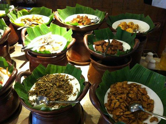 Hotel Santika Bandung : selection of food for breakfast...