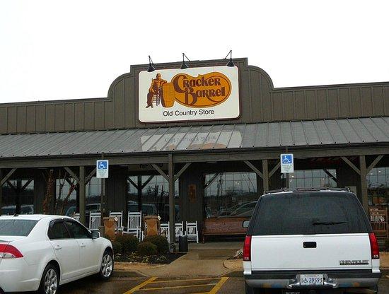 Cracker Barrel - Batesville, Mississippi