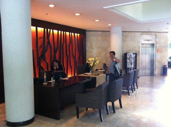 Hotel Santika Bandung : reception area