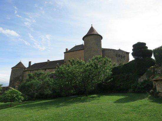 Berze le Chatel : the chateau-de-berze