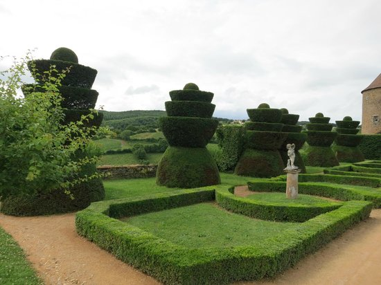 Berze le Chatel : the gardens