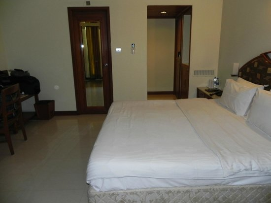 Hotel Airport International : Nice room. King size bed.