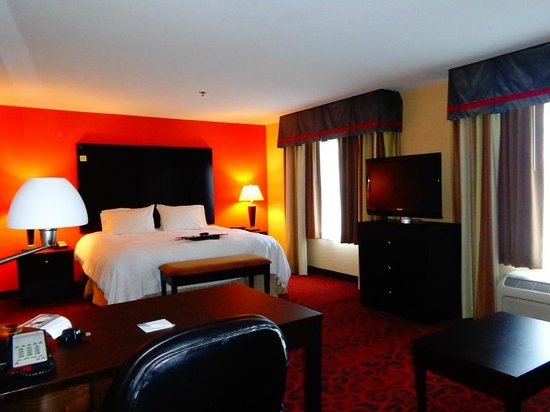 Hampton Inn & Suites Phenix City - Columbus Area: bed