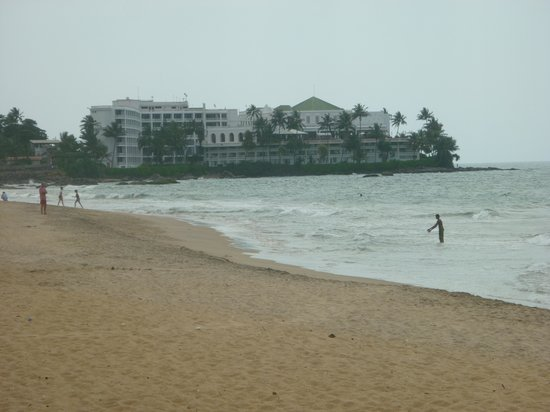 ACA B&B: Beach at Mount Lavinia