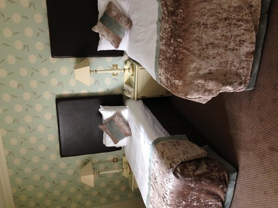 The Malton Hotel: Twin room
