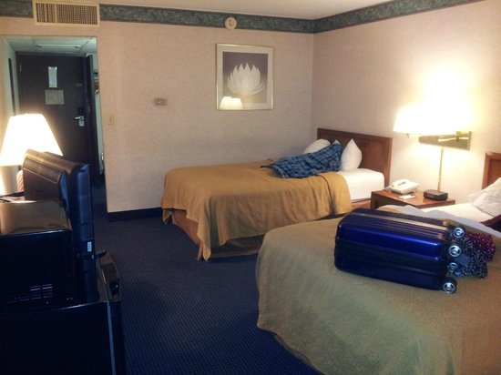 Quality Inn & Conference Center : Bedroom