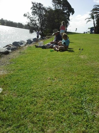 Riverbreeze Holiday Park : Fishing on the river