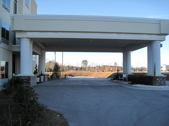 Holiday Inn Express & Suites Havelock: Exterior