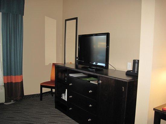 Holiday Inn Express & Suites Havelock : Dresser, flat screen TV, microwave, Refrigerator, and dresser