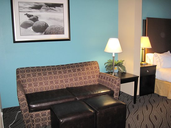 Holiday Inn Express & Suites Havelock: Seating area