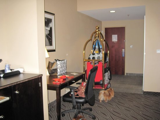 Holiday Inn Express & Suites Havelock : Desk area