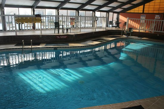 Quality Inn & Conference Center : Indoor Heated Pool