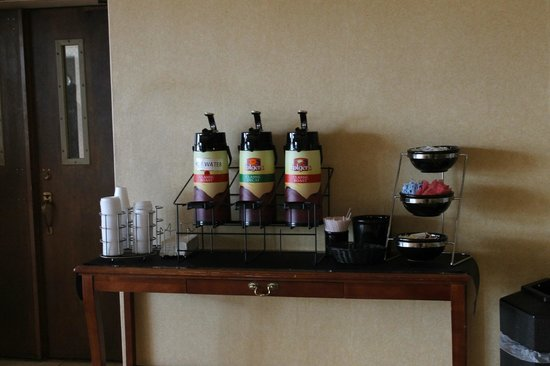 Quality Inn & Conference Center : Free hot beverages