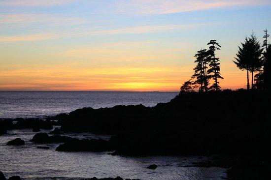 Black Rock Oceanfront Resort: Sunset