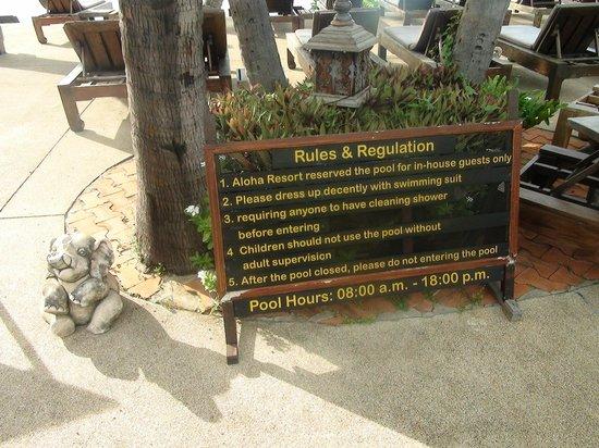 Aloha Resort : возле бассейна