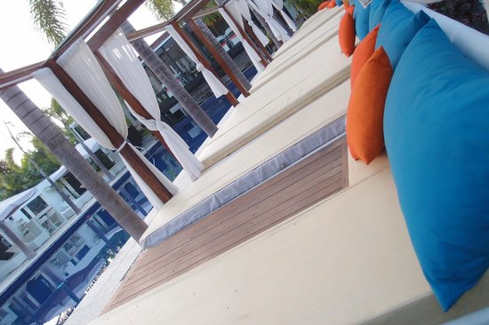 Lotus Villas & Resort Hua HIn: Pool area