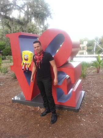 The Sydney and Walda Besthoff Sculpture Garden at NOMA : Love bob