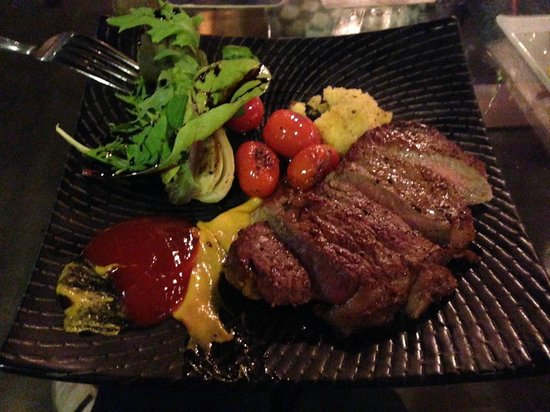 Intrepid Gastrobar: Striploin