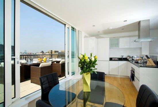 Oakwood Farringdon: Terrace View