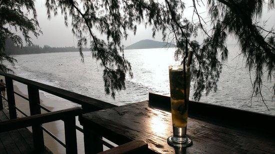 Nikki Beach Resort Koh Samui: Afternoon Mojito on the deck