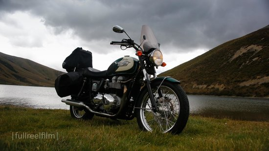 South Pacific Motorcycle Tours - Day Tours: Triumph Bonneville