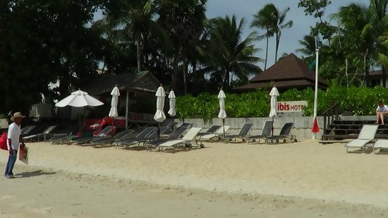 ibis Samui Bophut: Beach in front of hotel