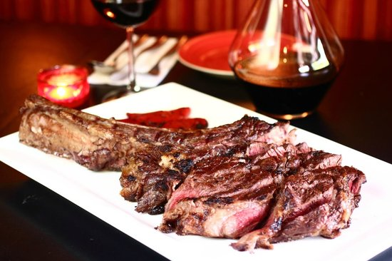 Tomahawk at don quijote singapore foto de don quijote for Garcons restaurant singapore