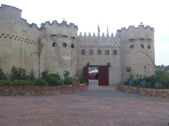 Alla Turka: In a castle