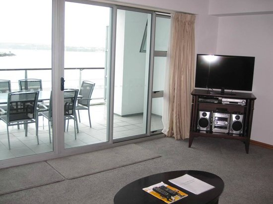 Auckland Waterfront Serviced Apartments: TV