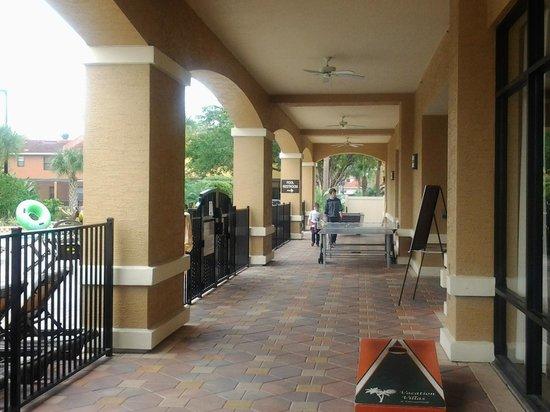 Fantasy World Club Villas : outside the activity center