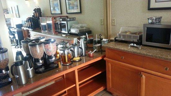 Best Western De Anza Inn: Cereal bar. Free breakfast