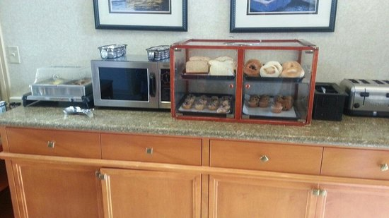 Best Western De Anza Inn: Free breakfast
