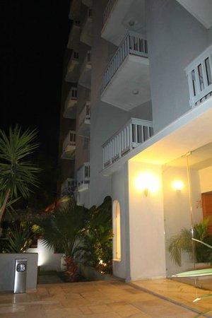 Palace Hotel Bomo Club : внутренний дворик
