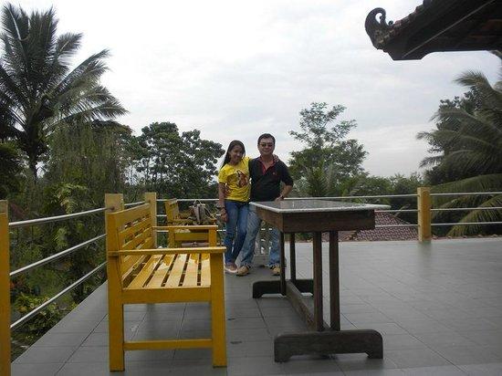 Raffles Holiday Hotel Yogyakarta: lobi di atas..pemandangannya bagus
