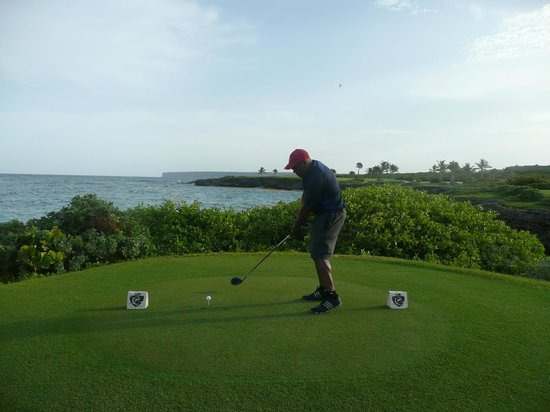 Punta Espada Golf Course : Me trying to hit a lucky shot