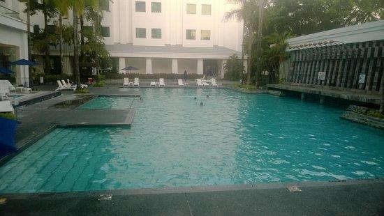 Hotel Helang Langkawi: Swimming Pool