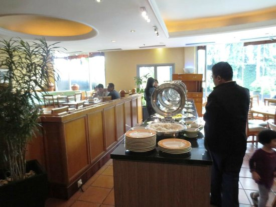 Ibis Jakarta Slipi: Buffet breakfast