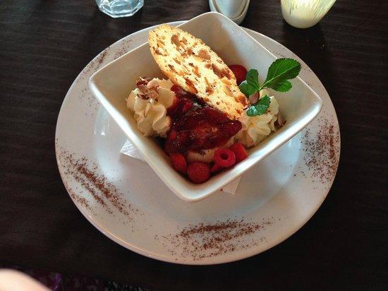 Mangawhai, New Zealand: Berry surprise dessert