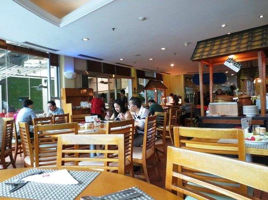 Ibis Jakarta Slipi: Restaurant