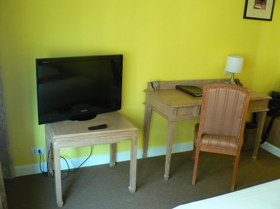 Le Siam Hôtel: стол