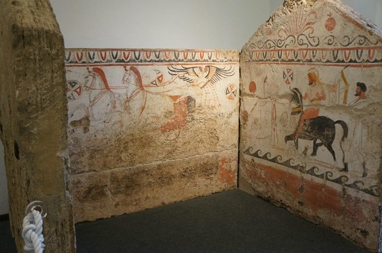 Museo Archeologico Nazionale di Paestum : Etruscan tomb paintings